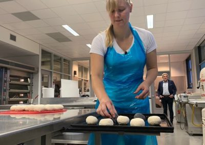 Na tien weken opleiding al in een bakkerij werken